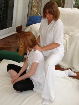 Shiatsu for stiff painful neck and shoulder problems